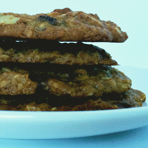 Chocolate-chip-cookie-stack