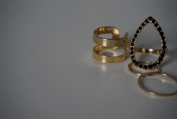 Pretty-things-gold-rings